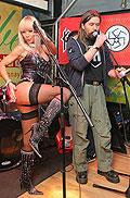 Асилия Вертинская – Светская львица, ведущая программы Секс с Асилией Вертинской, радио-ведущая